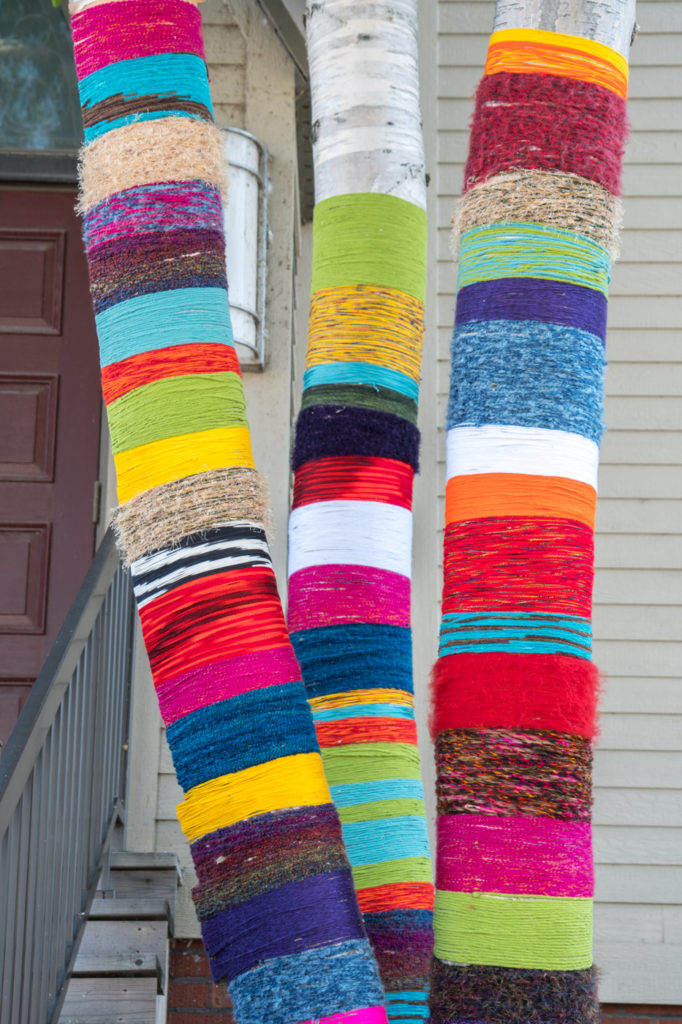 Yarn bombing ou art de rue à Edmundston