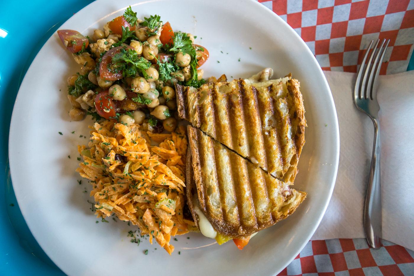 Sandwich et salade du Café de Pio