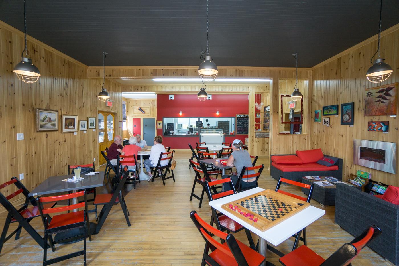 Salle à manger du Café de Pio