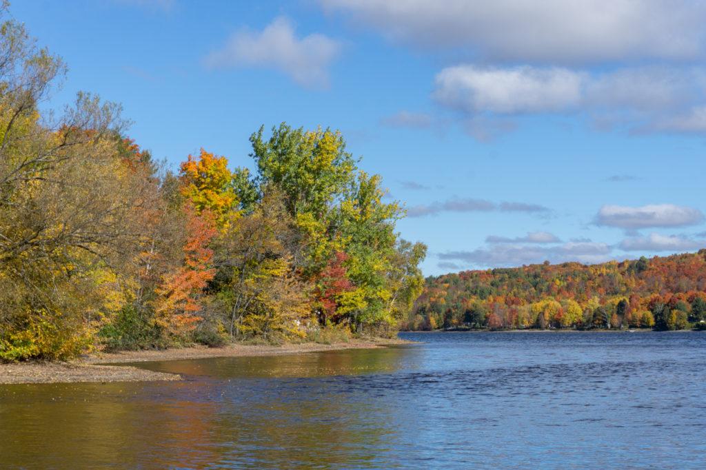 Couleurs d'automne au Manoir du Lac-William