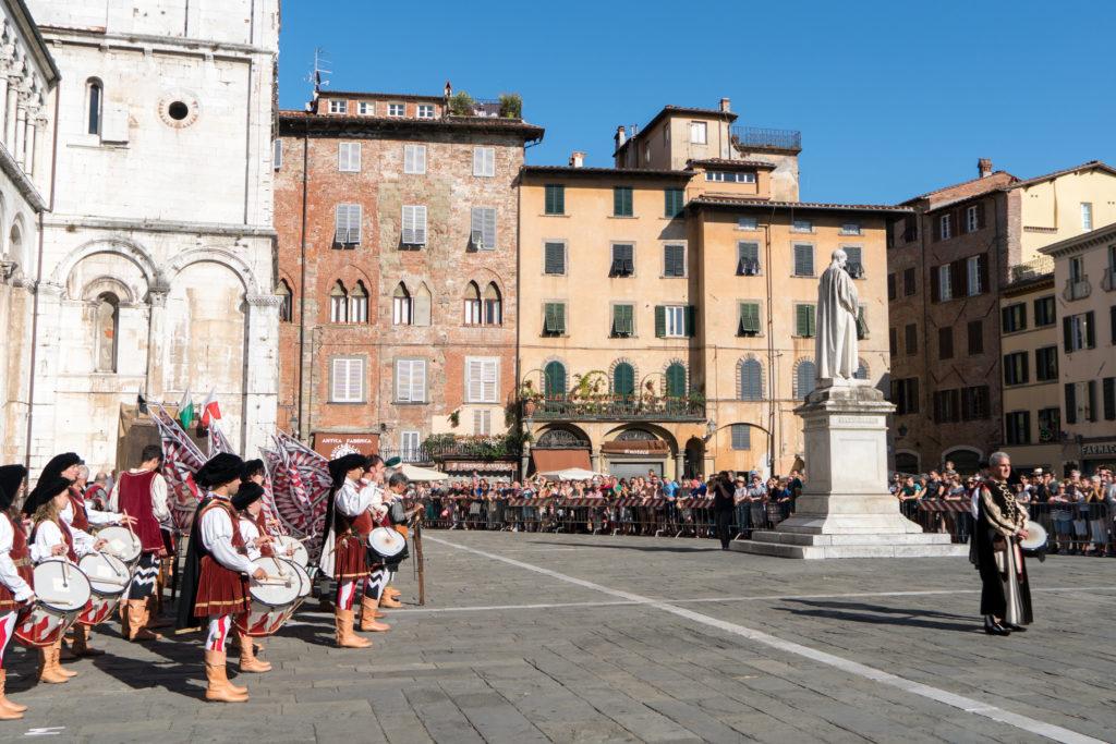 Démonstration de palestre pour le Palio della Balestra Antica in Onore della Santa Croce