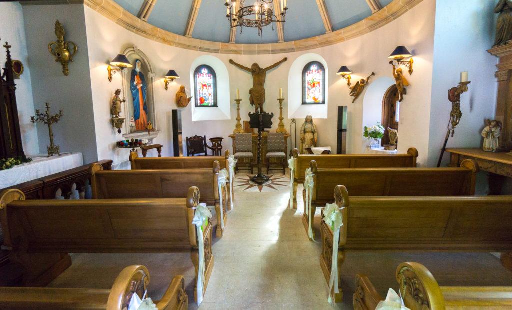 Intérieur de la Chapelle Sainte-Agnès, vignoble en Estrie