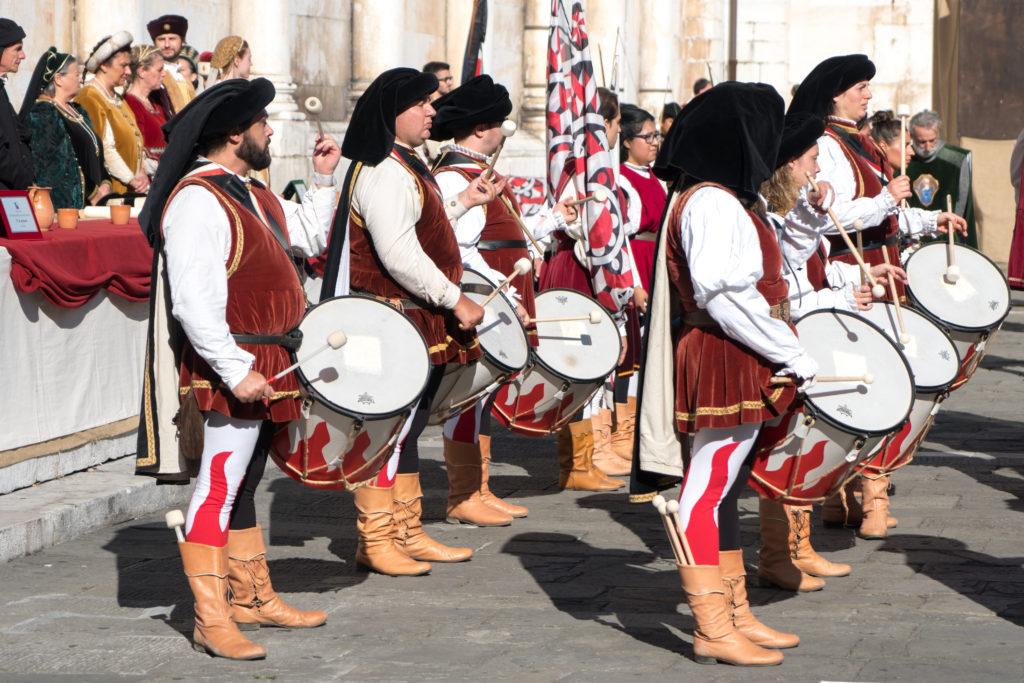 Musiciens en joute à Lucca