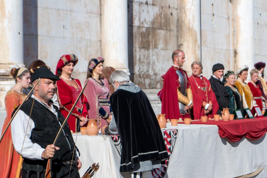 Nobles, archers, gentilhommes et bourgeois à Lucca, Palio