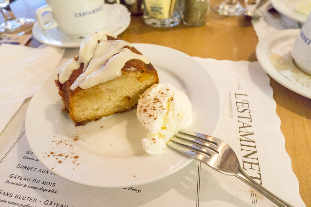 Gâteau aux poires et vanille - L'Estaminet d'Ahuntsic