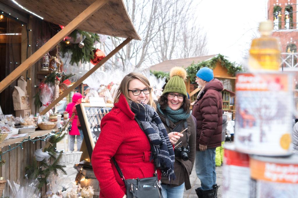 Annie et Maude au marché de Noël de Joliette, Lanaudière