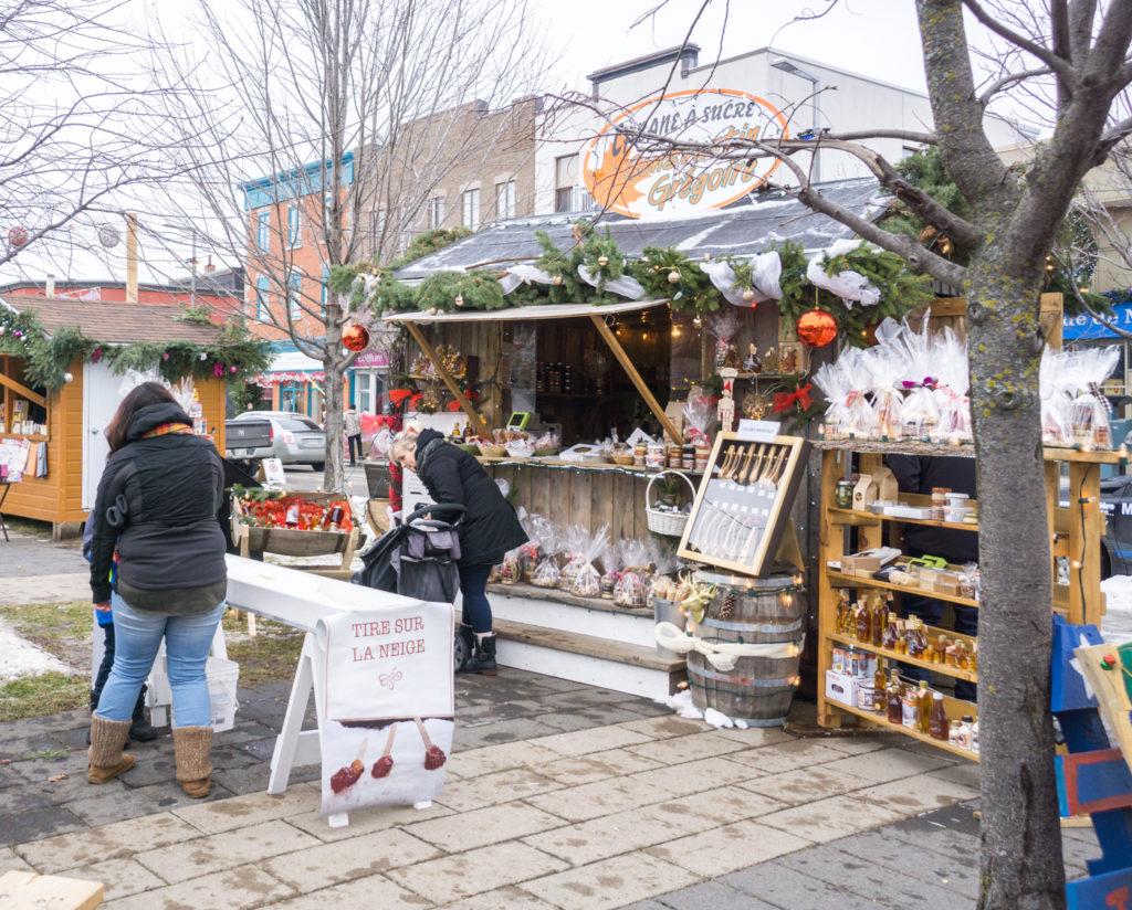 Marchés de Noël de Joliette - boutique d'érable et tire sur la neige