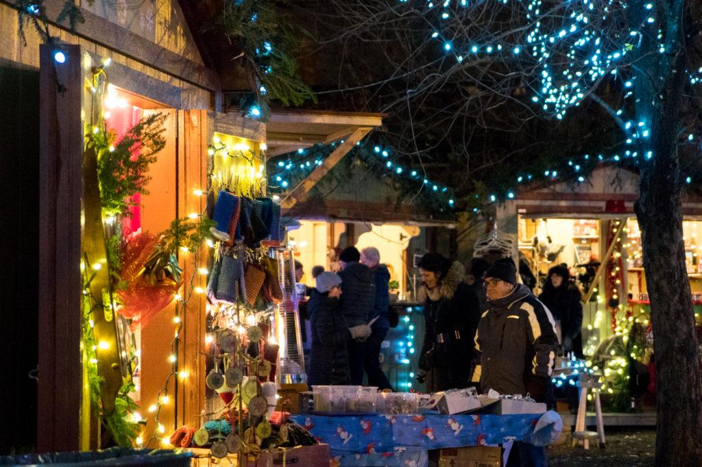 Marché de Noël de Terrebonne - Sapin et cabane