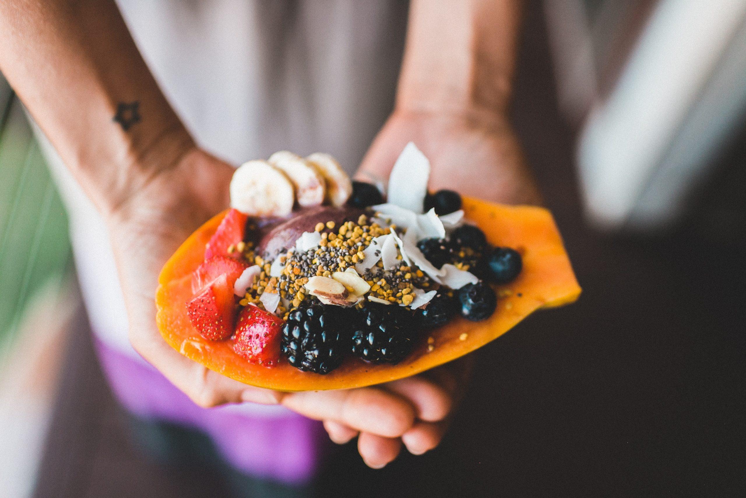 Bol de fruits - Rester en santé en voyage - Quoi apporter en voyage