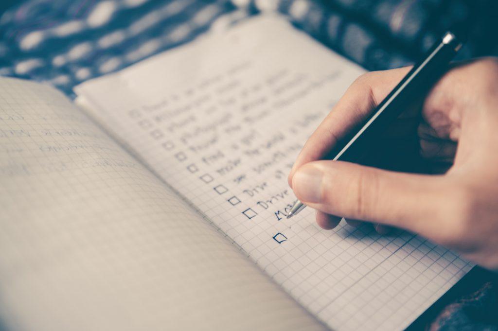 Liste à cocher, quoi apporter en voyage santé