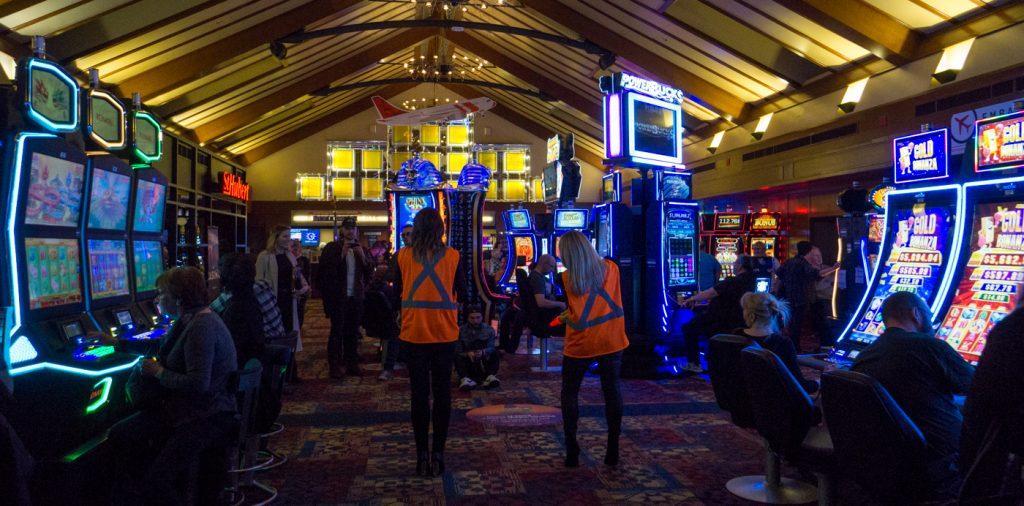 Techniciens en avion du Casino de Charlevoix