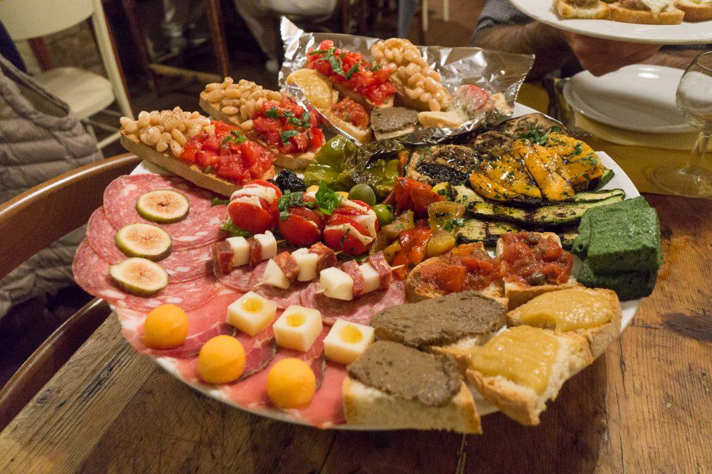Plateau de charcuteries et fromages - Quoi manger en Toscane - Italie