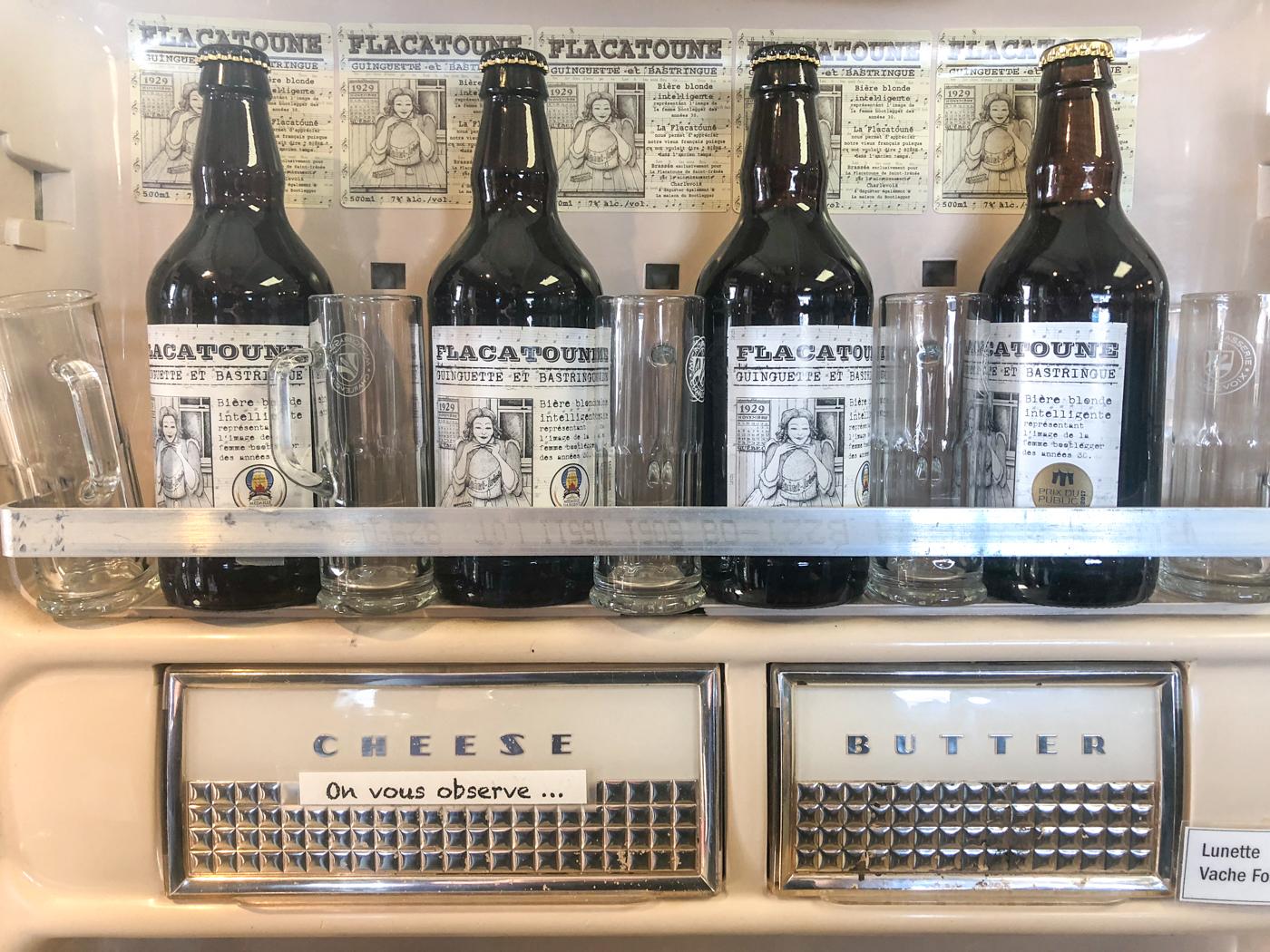 Bouteilles de bière - Étalage de la Flacatoune à Charlevoix