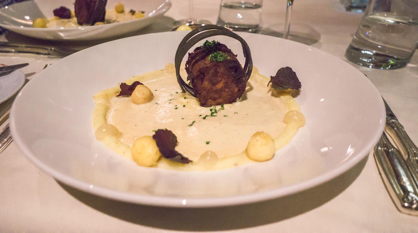 Veau et pommes de terre dans rouleau de foin - Le Charlevoix
