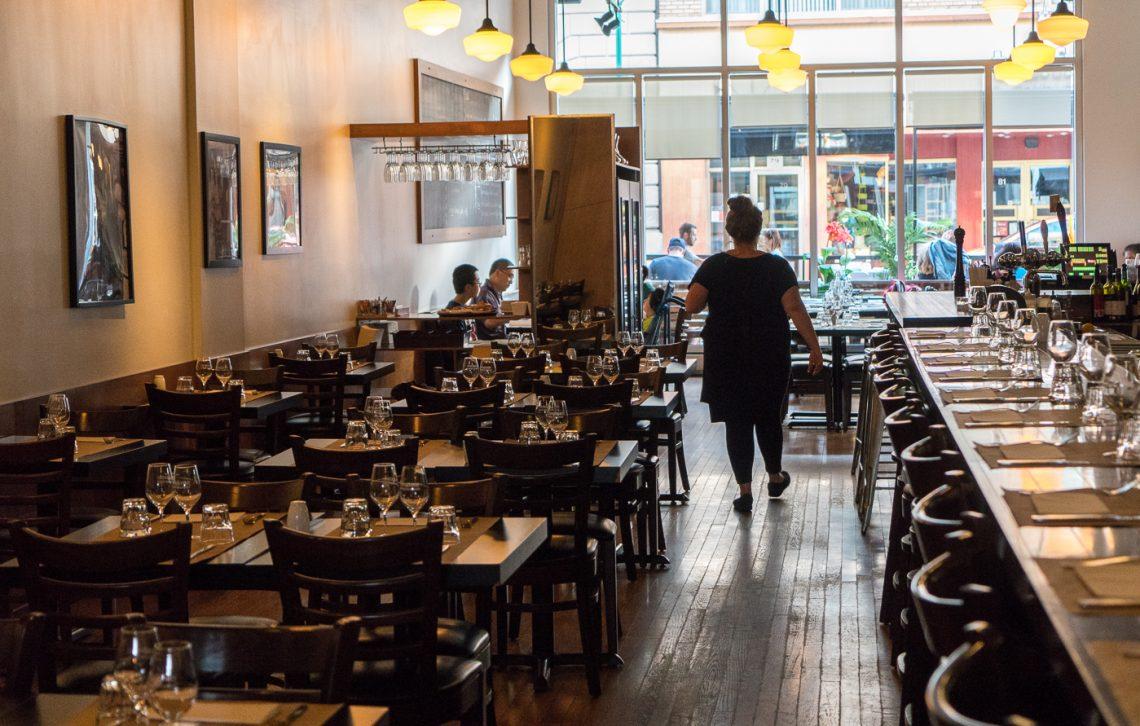 Intérieur du restaurant Auguste à Sherbrooke