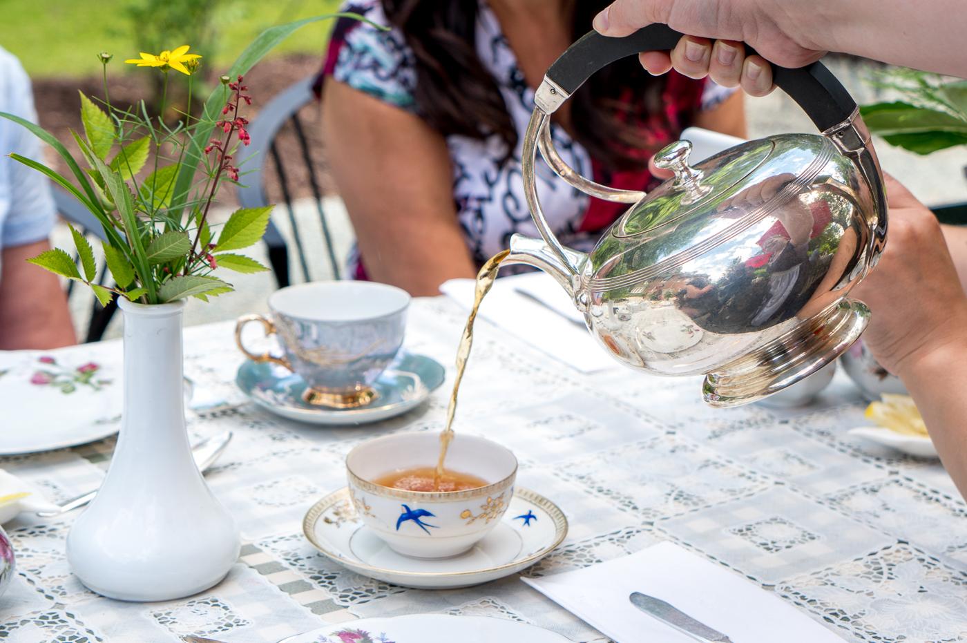 Service du thé à l'anglaise dans les Cantons-de-l'Est