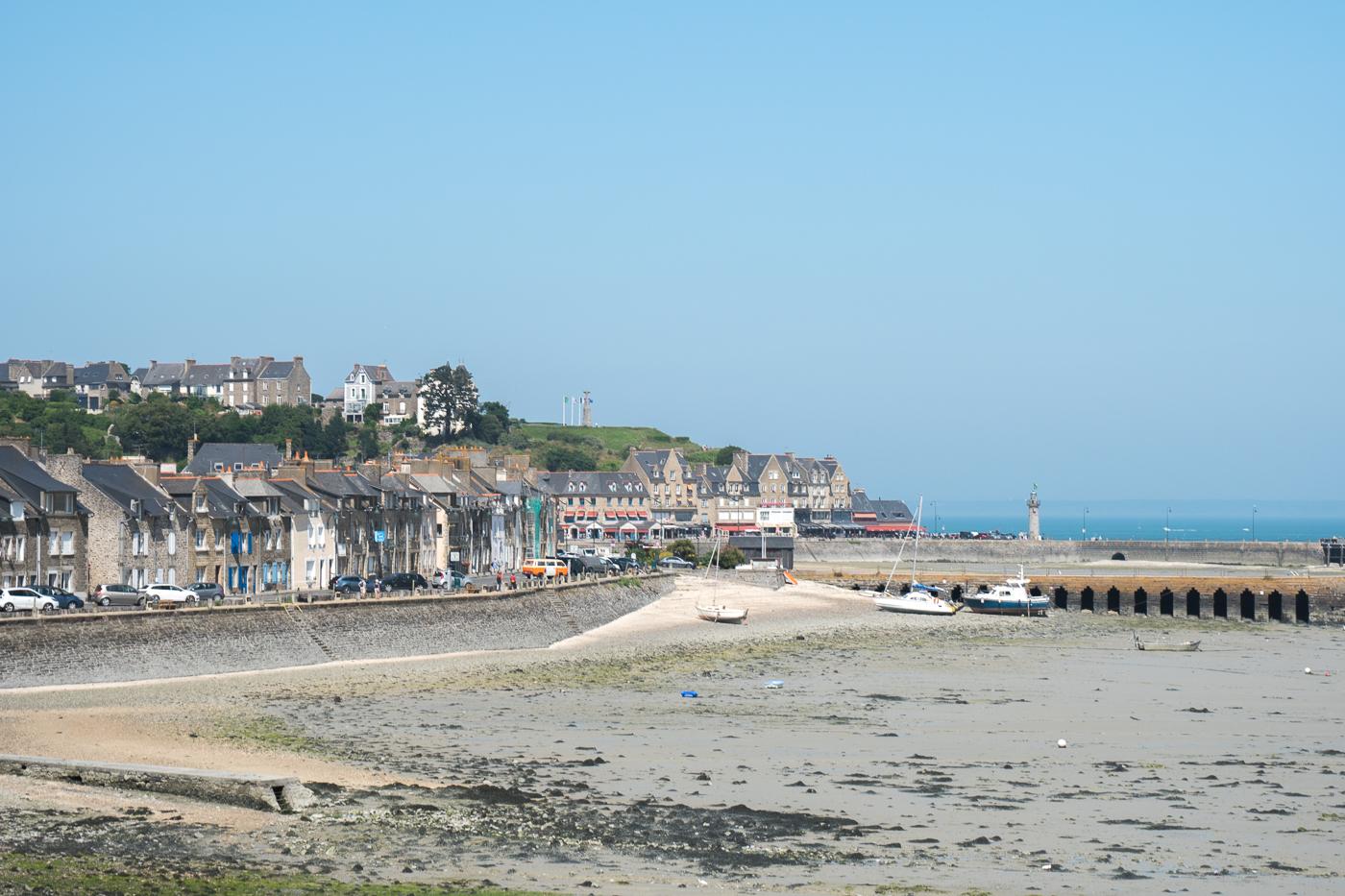 Jetée de Cancale en Bretagne, France