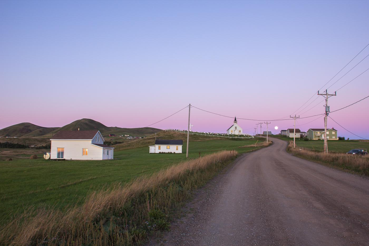 Ciel mauve sur l'île d'Entrée et la Big Hill