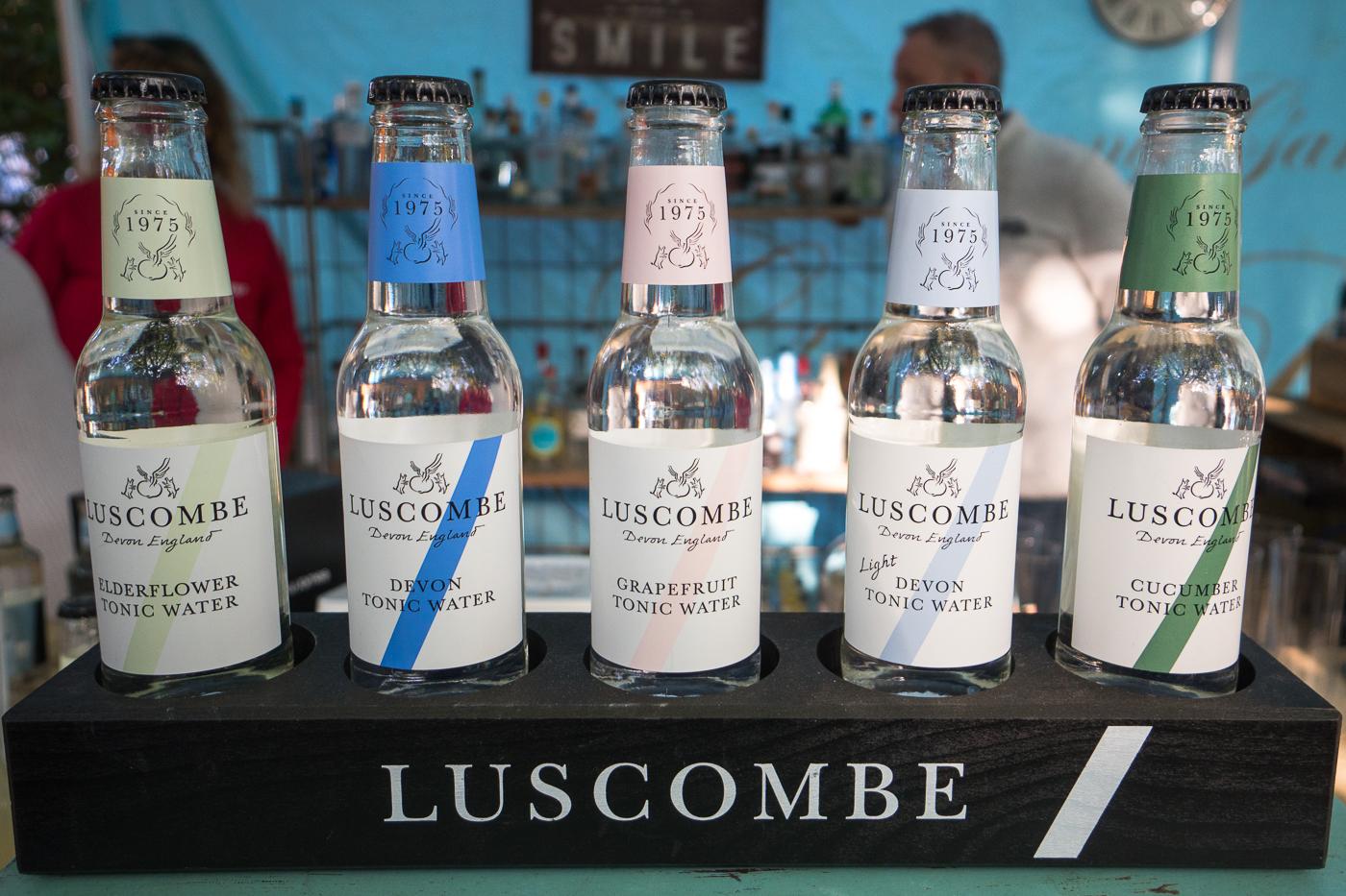 Bouteilles de tonics Luscombe