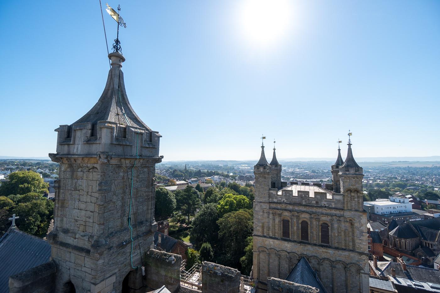 Toit de la cathédrale d'Exeter au Royaume-Uni