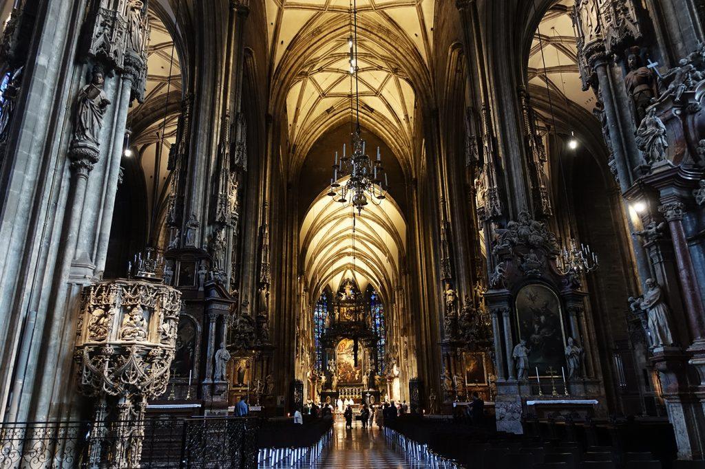 Intérieur du Stephansdom de Vienne en Autriche