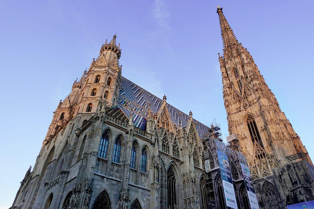 Toit du Stephansdom de Vienne