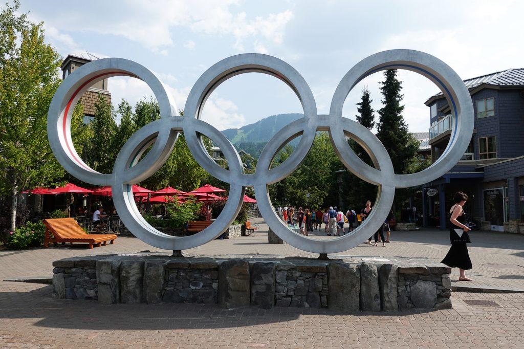 Anneaux olympiques au Village de Whistler, Canada
