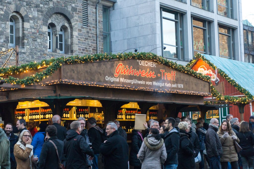 Cabane de vin chaud ou gluhwein à essayer dans les marchés de Noël
