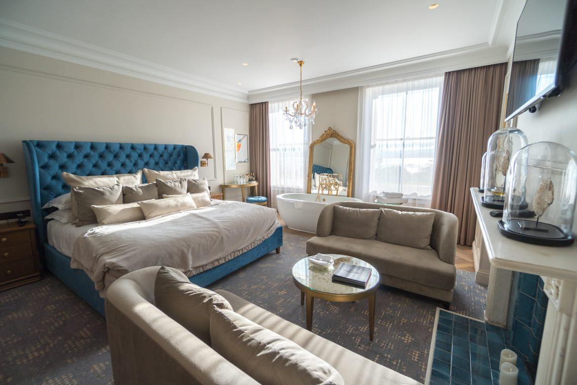 Chambre luxueuse au Lympstone Manor