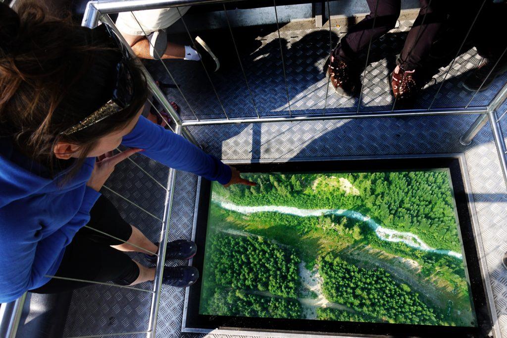 Fond transparent de la gondole Peak 2 Peak de Whistler