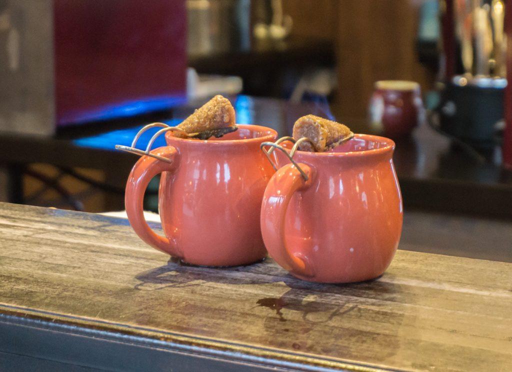 Tasses de Feuerzangebowle - tasses de vin chaud sucré - Voyage en Allemagne, Europe