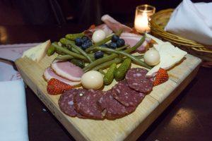 Plateau de charcuteries - Métropolitain Brasserie à Ottawa
