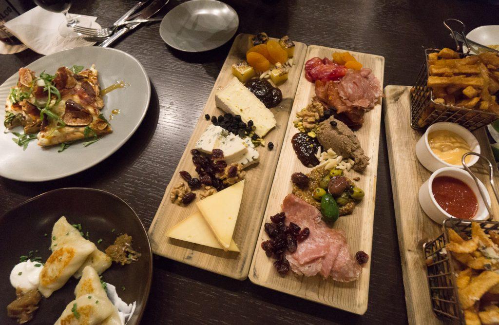 Plateaux fromages et charcuterie, Zoe's Lounge - Fairmont Château Laurier