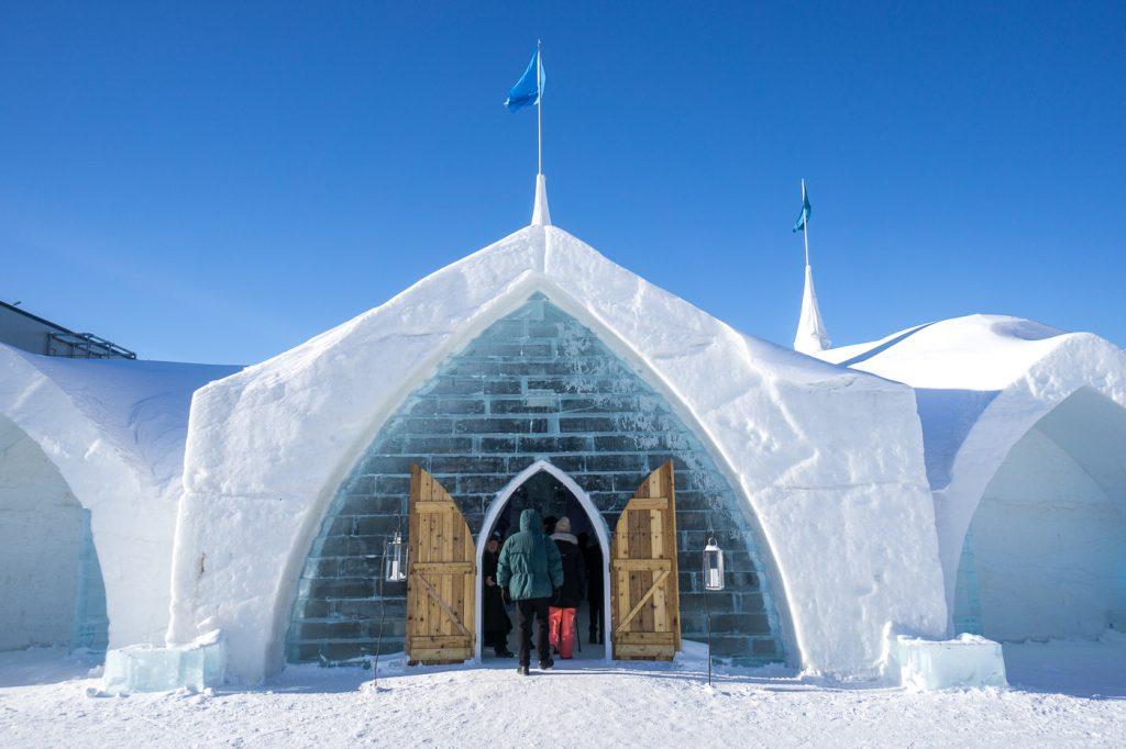 Quoi faire en hiver au Québec - hôtel de glace