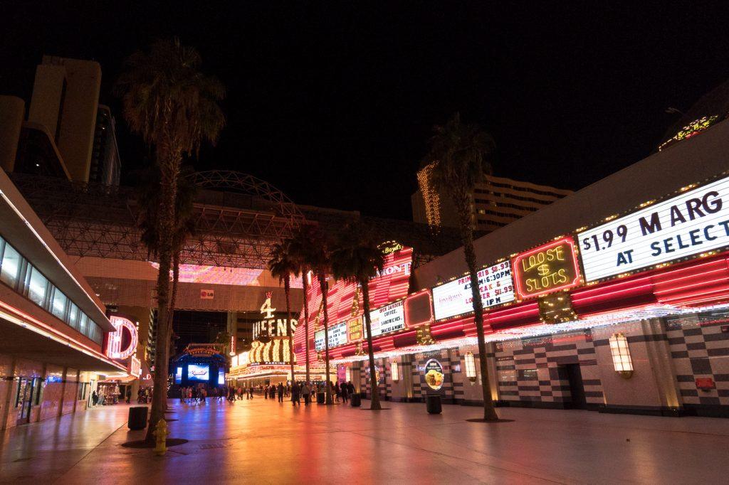 Fremont Street Experience - Quoi faire à Las Vegas à petit budget?