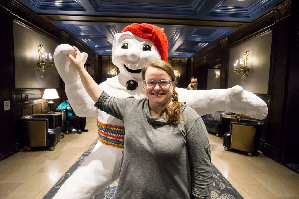 Jennifer avec bonhomme Carnaval de Québec