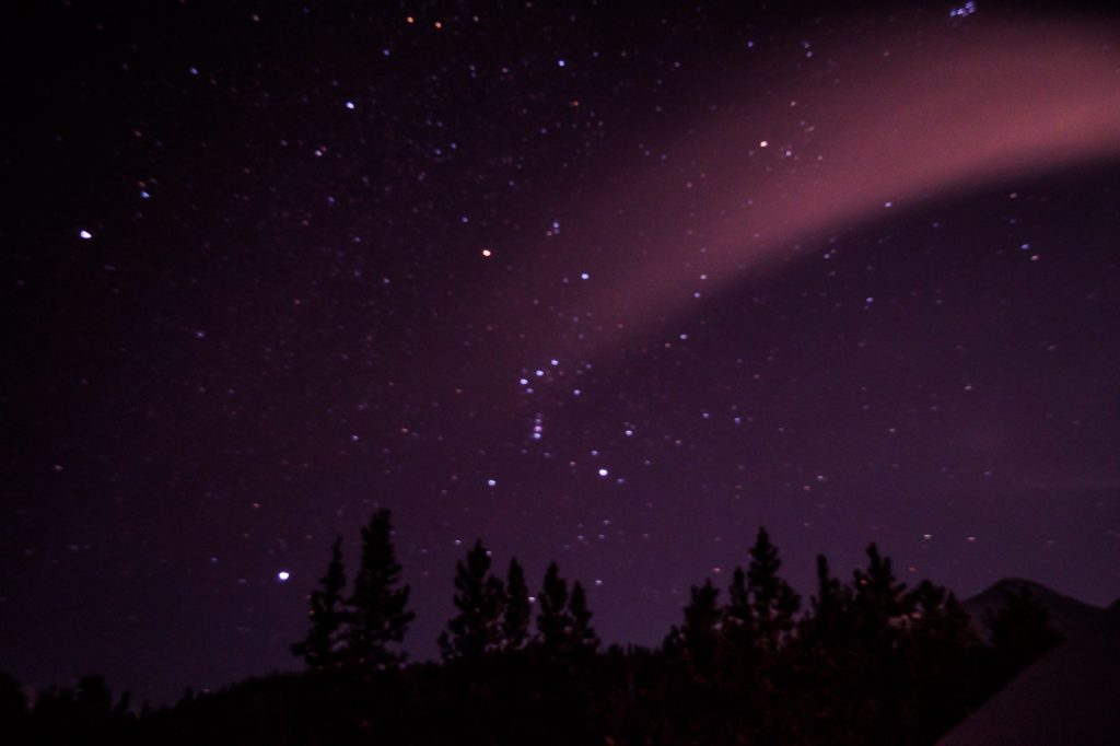 Étoiles dans le ciel du Yukon
