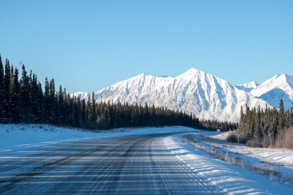 Montagnes du parc national Kluane du Yykon, Haines Junction