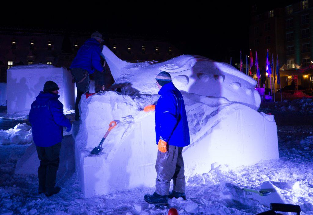 Sculpture sur neige au Carnaval de Québec, Canada