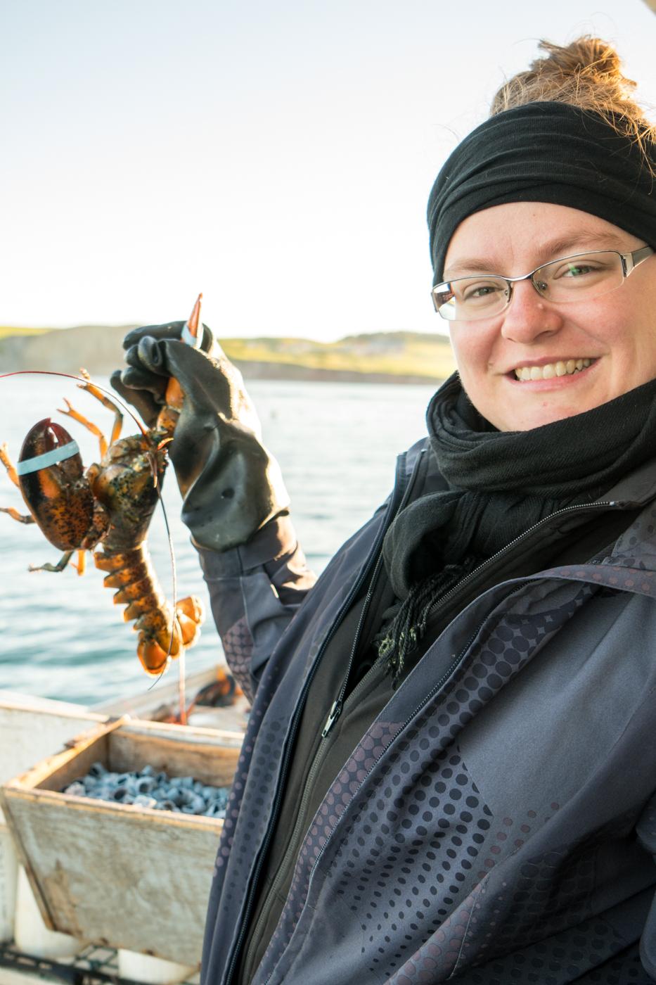 Jennifer avec un homard