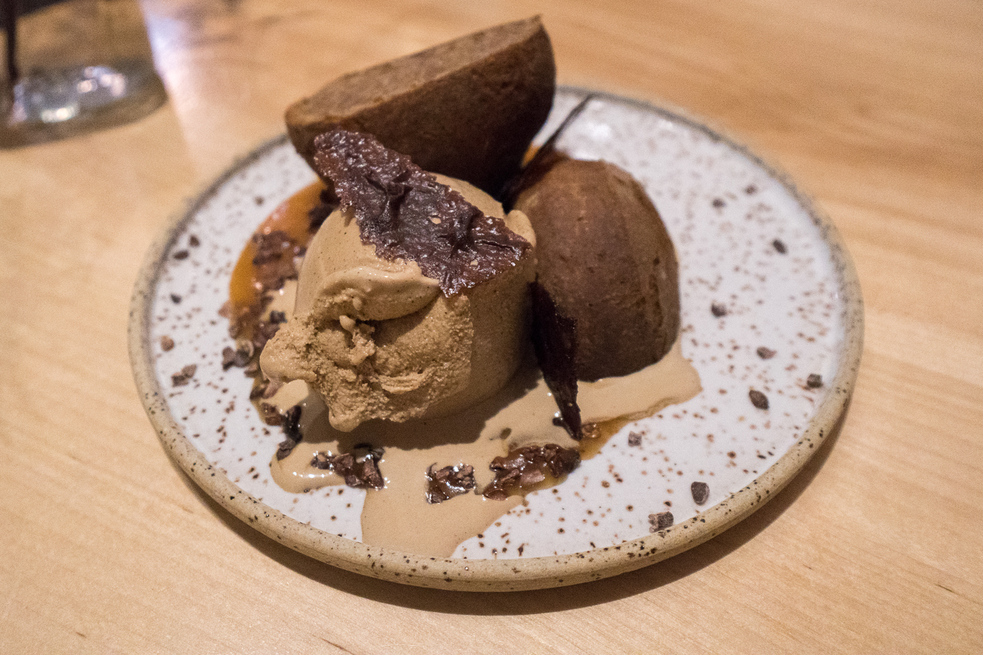 Dessert de beignets au chocolat de l'Épi buvette de quartier à Trois-Rivières à table