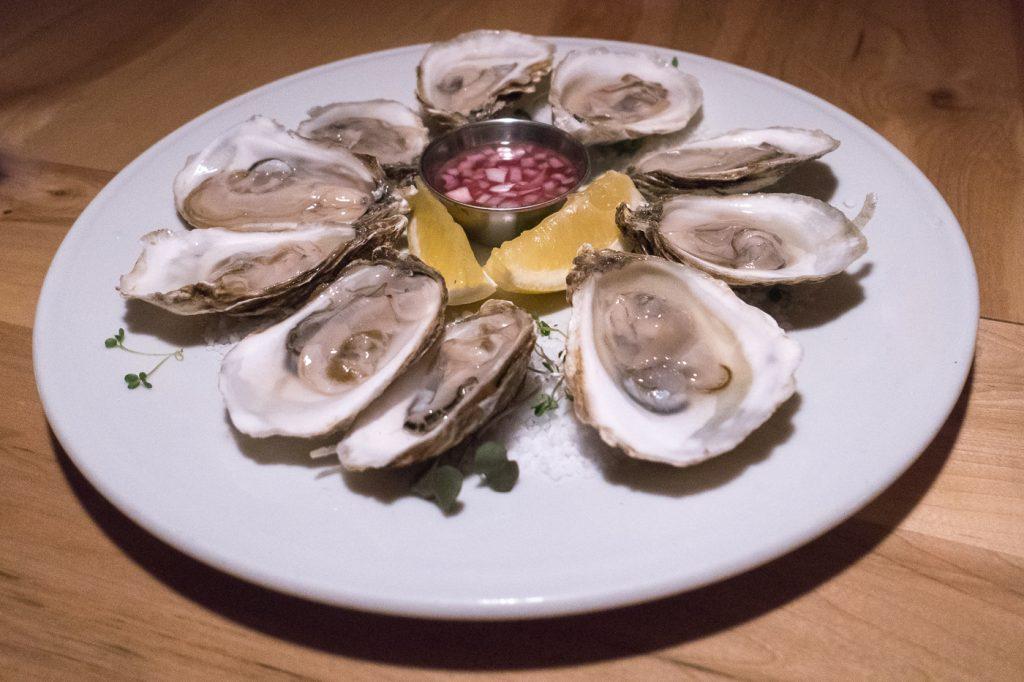 Huîtres Trésors du large des Îles de la Madeleine - Le Buck pub gastronomique Trois-Rivières Québec