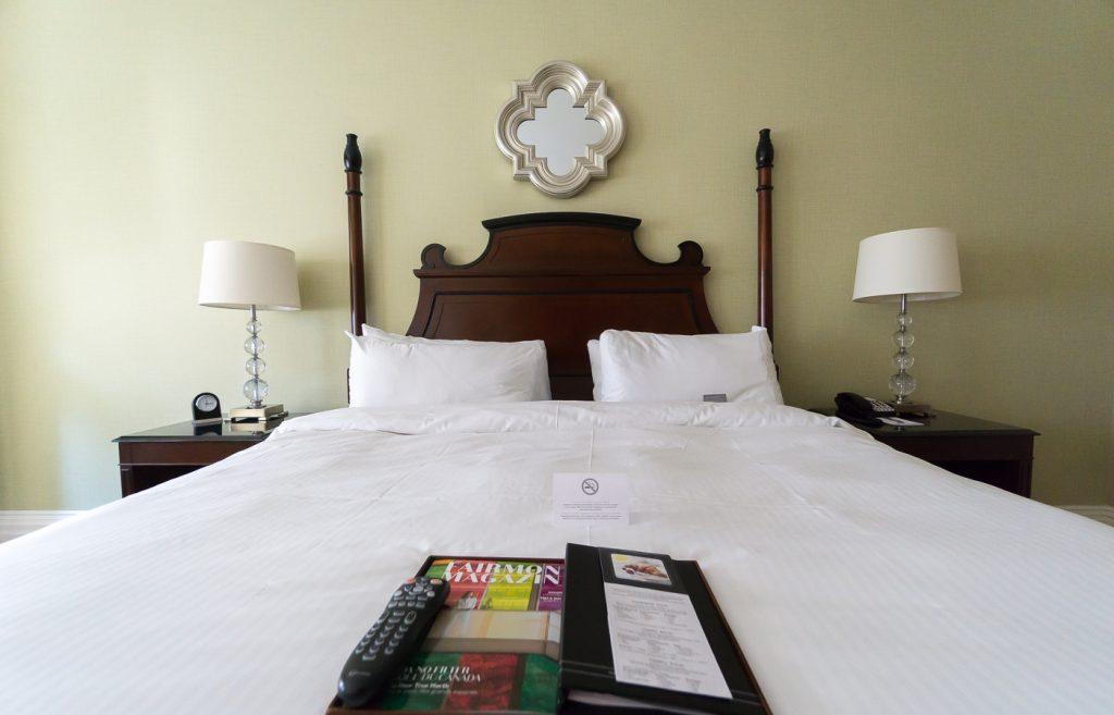 Mon lit à l'hôtel Fairmont Château Laurier au coeur d'Ottawa