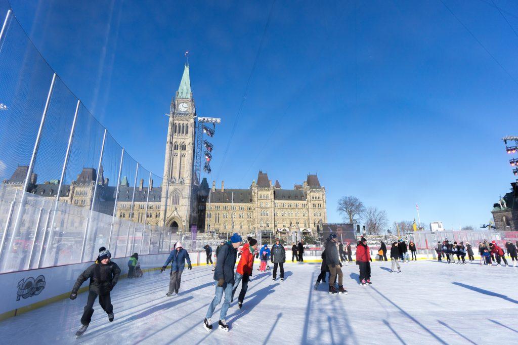 patinoire devant le parlement d'Ottawa