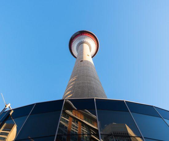 Calgary Tower vue d'en bas