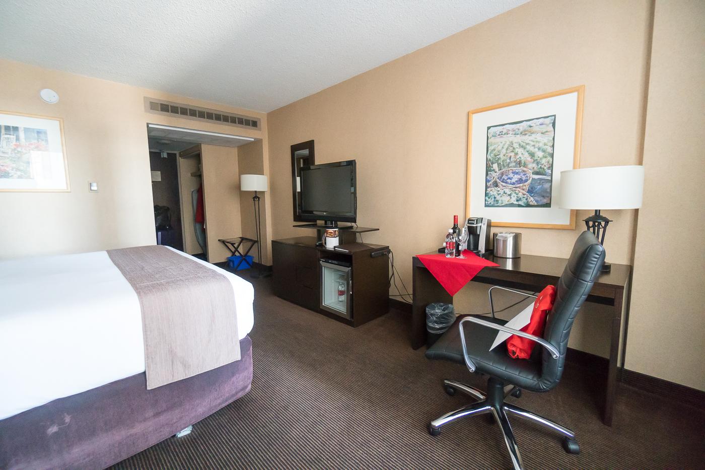 Chambre et bureau au Ramada Plaza - Où dormir à Calgary?