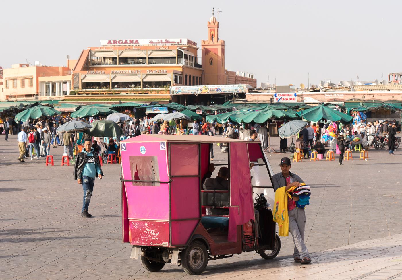 Place Jemaa El Fna - Début de Marrakech Food Tours au Maroc