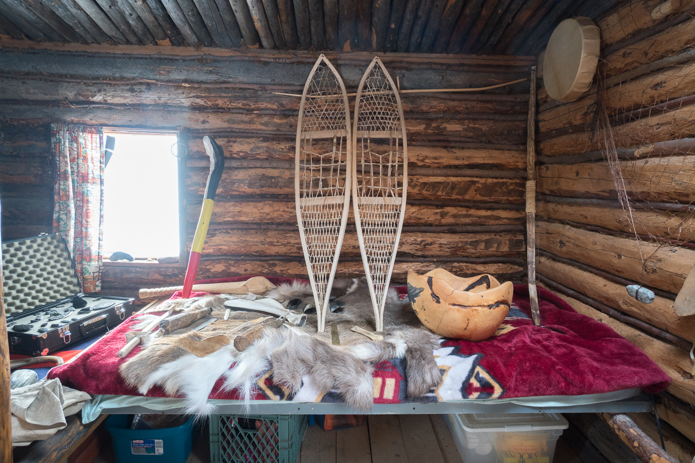 Raquettes et artefacts - Long ago People's Place - Yukon