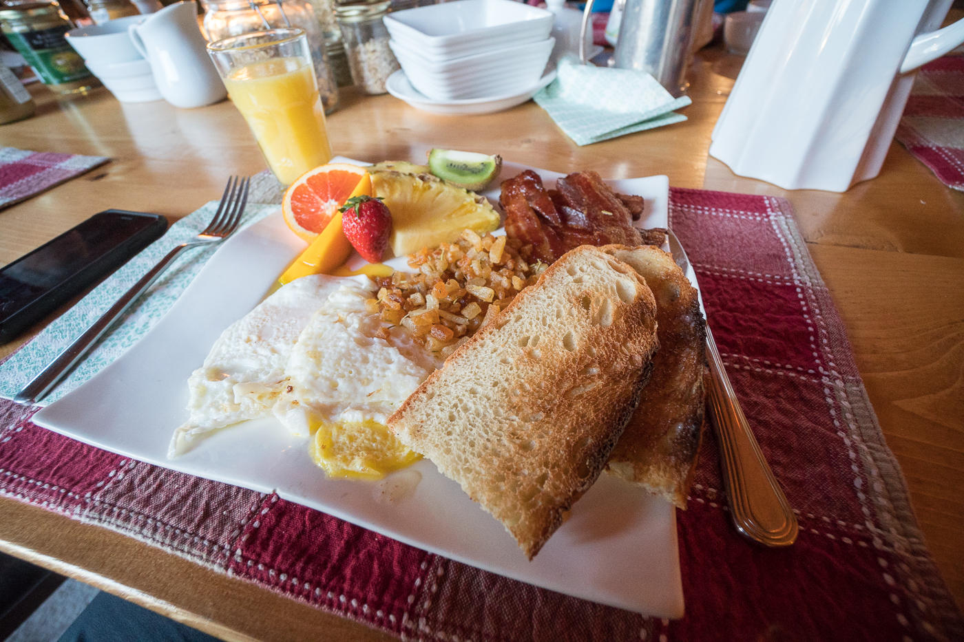 Déjeuner-brunch au Mount Logan Lodge