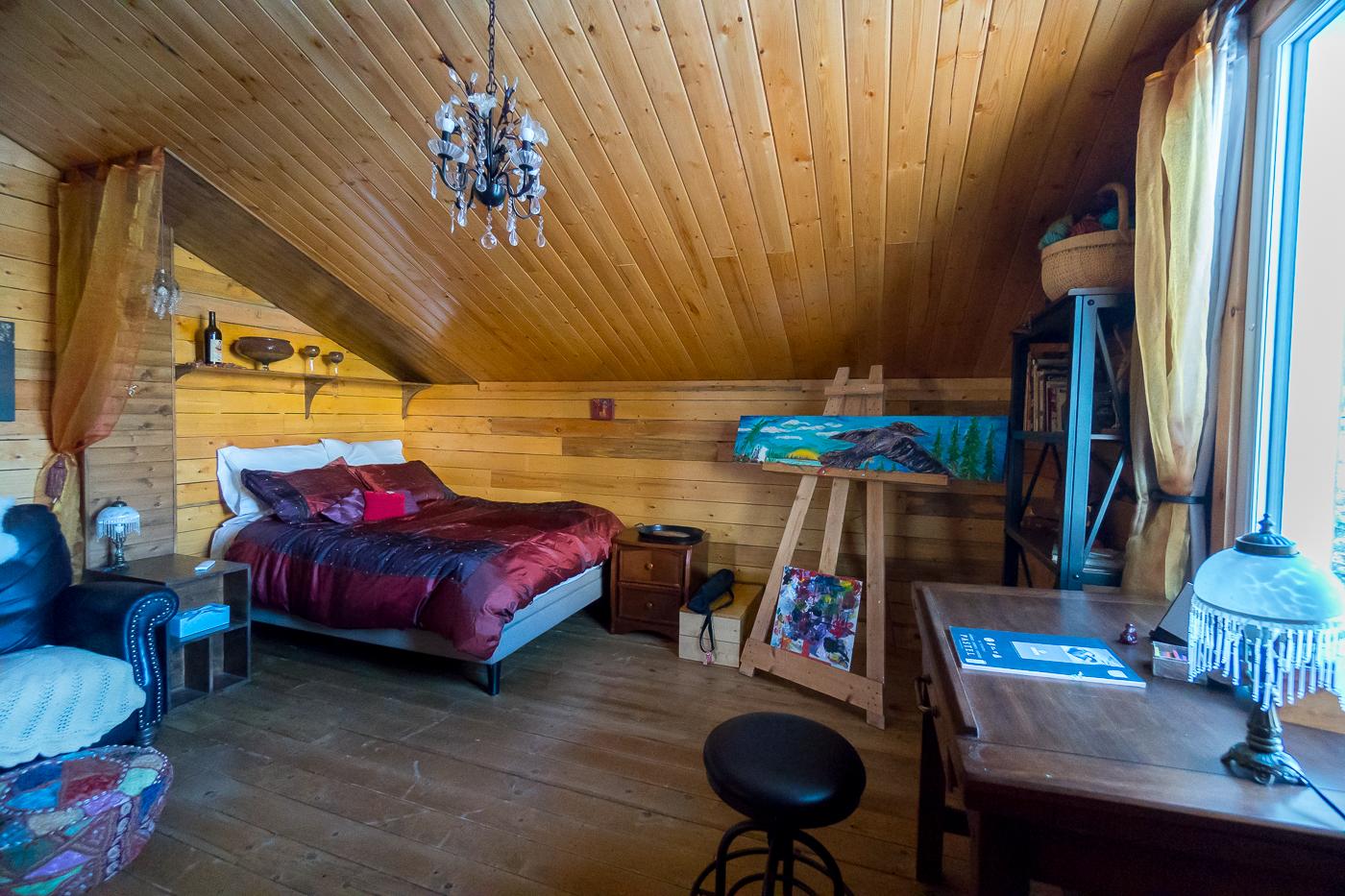Ma chambre au Gray Ridge Lodge - Où dormir au Yukon près de Whitehorse